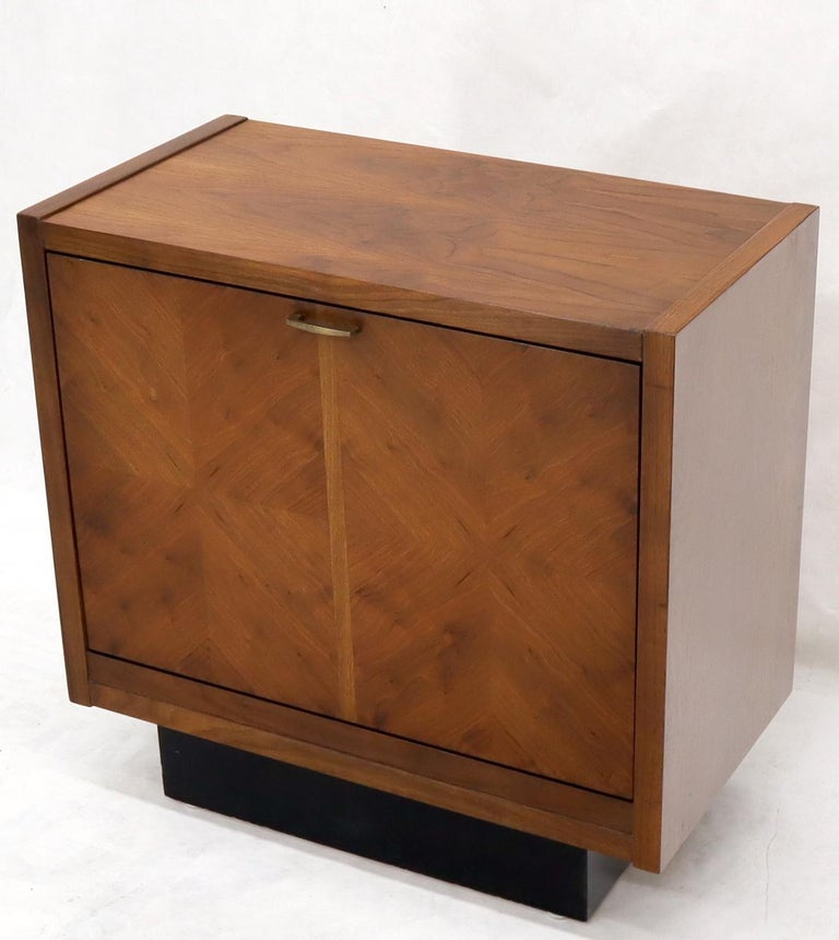Oiled Walnut Tilt Front Door End Side Table Record Cabinet In Good Condition For Sale In Rockaway, NJ