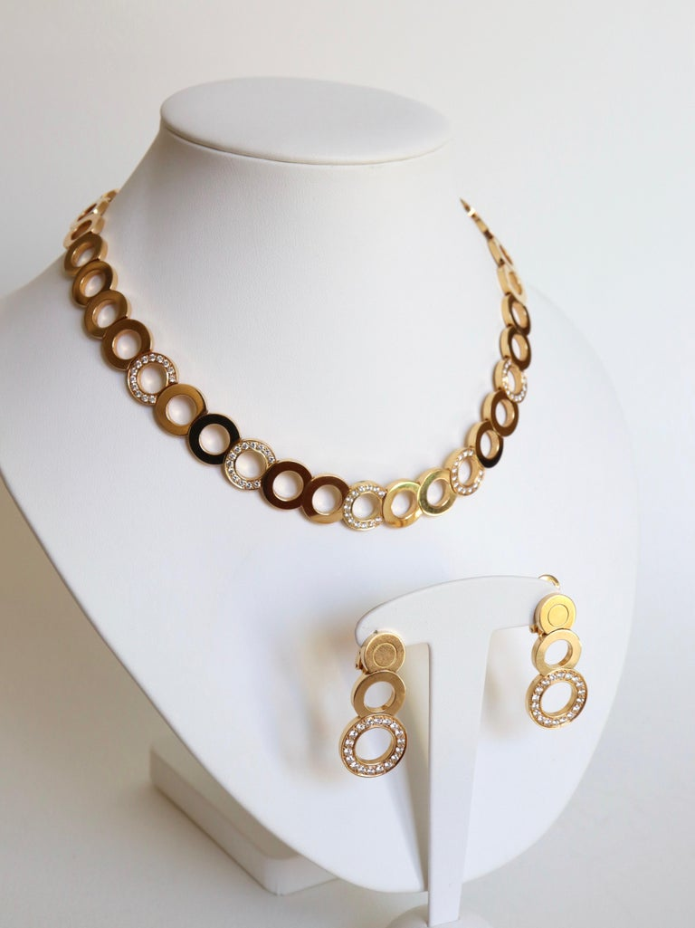 O.J. Perrin Set of a Necklace and Earrings in 18 Carat Gold and Diamonds For Sale 6