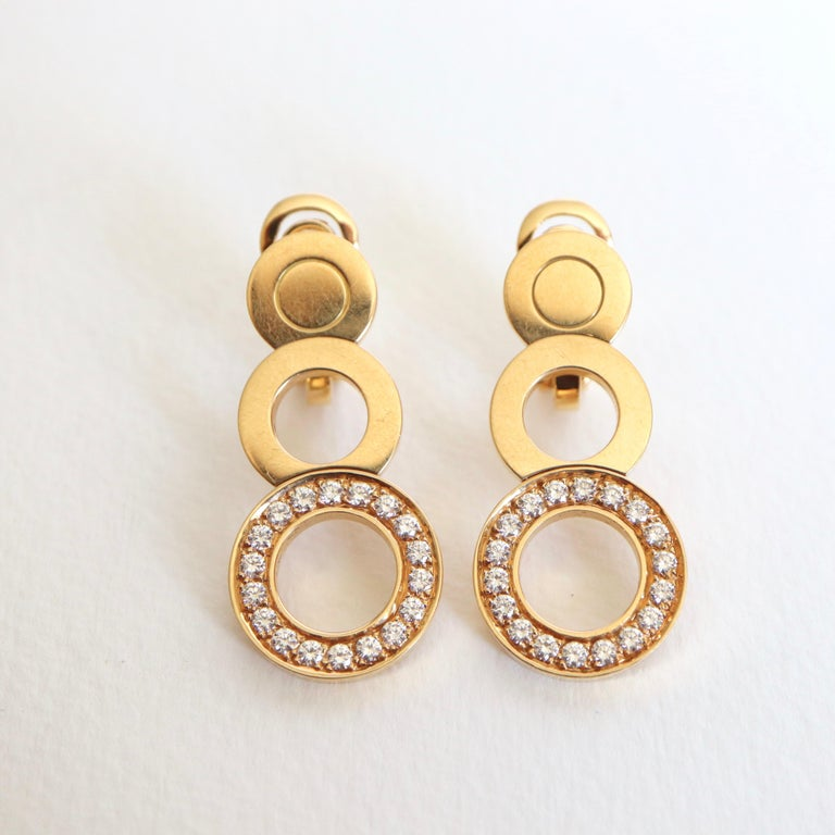 O.J. Perrin Set of a Necklace and Earrings in 18 Carat Gold and Diamonds In Good Condition For Sale In Paris, FR