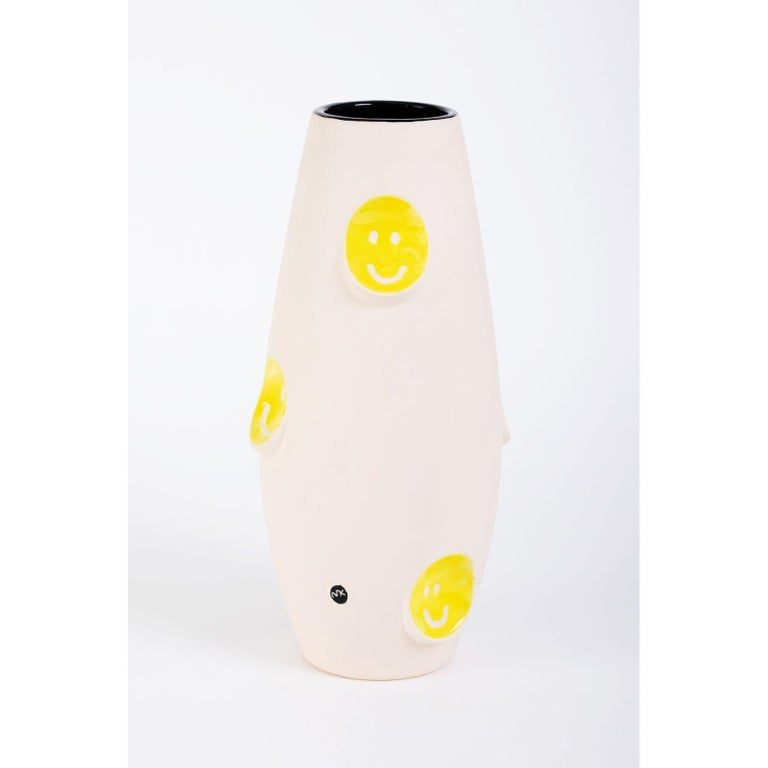 Oko Pop ceramic vase - Smiley by Malwina Konopacka Unique Sculpture ( Decorated and hand-painted by the artist ) Materials: Impregnated ceramics, glazed interior, sgraffito yellow glaze, overglaze painting Dimensions: D19, D42 cm  Also