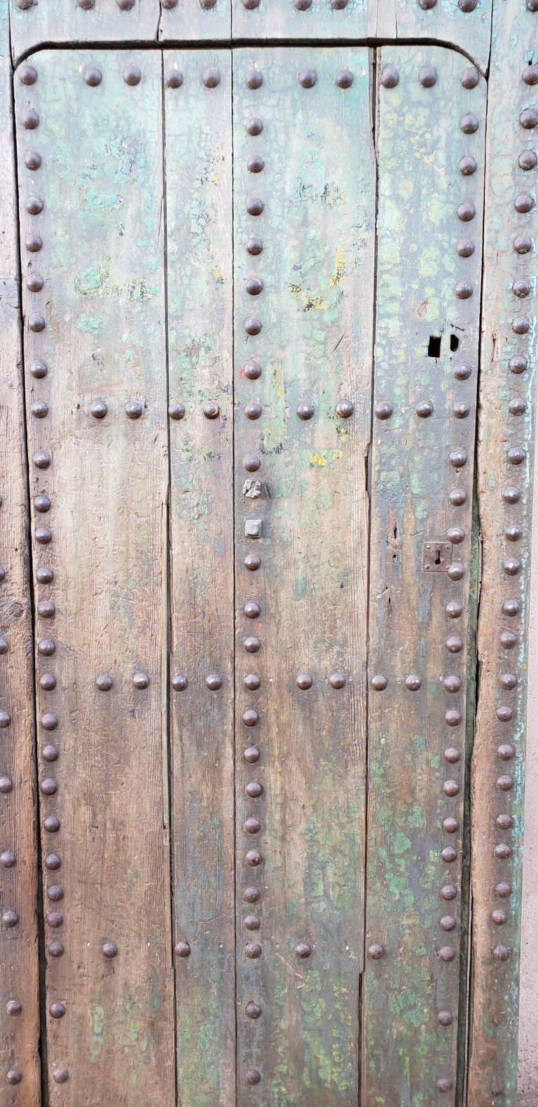 Old Blue Moroccan Wooden Door, 23MD35 In Good Condition For Sale In Orlando, FL