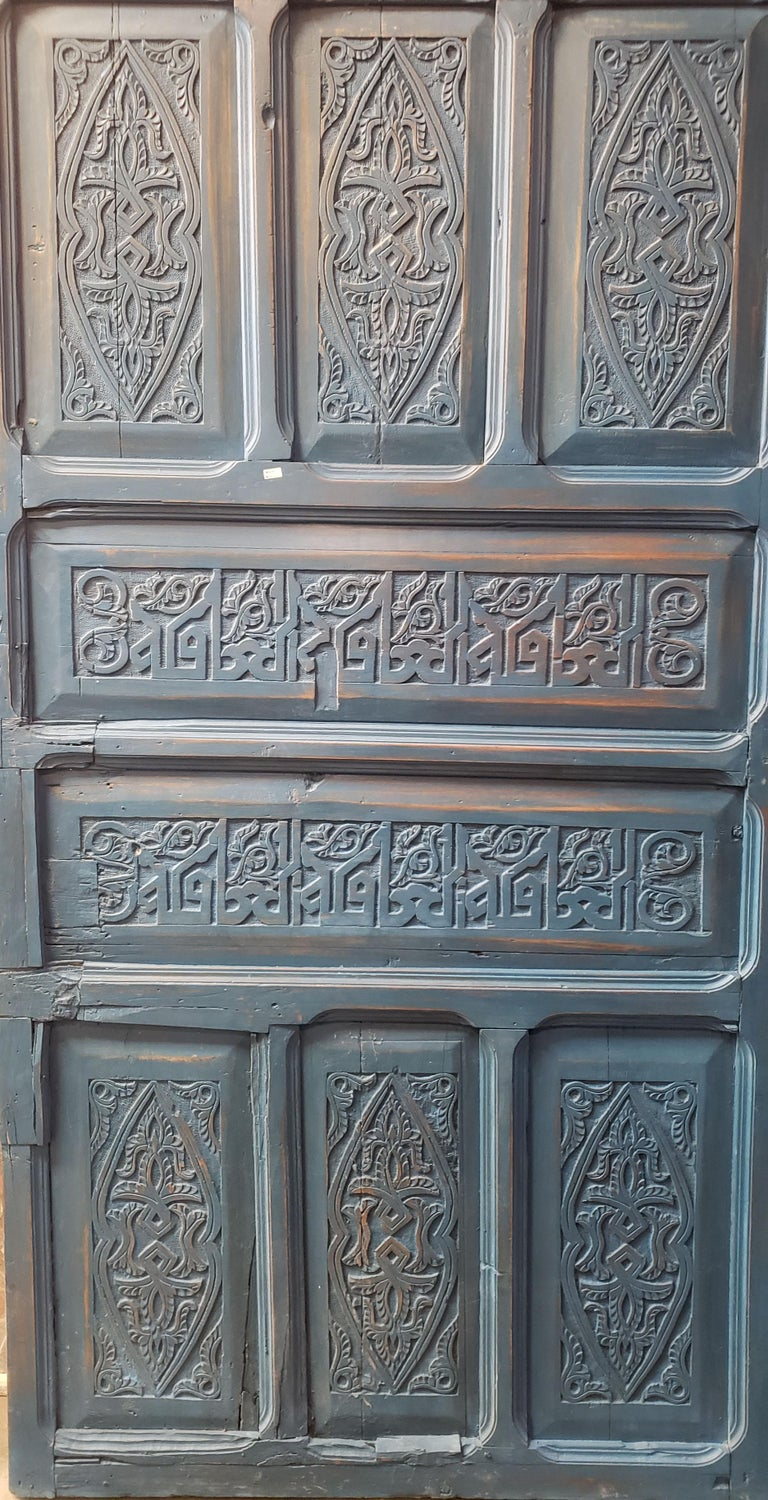 Old Blue Moroccan Wooden Door, 23MD40 In Good Condition For Sale In Orlando, FL