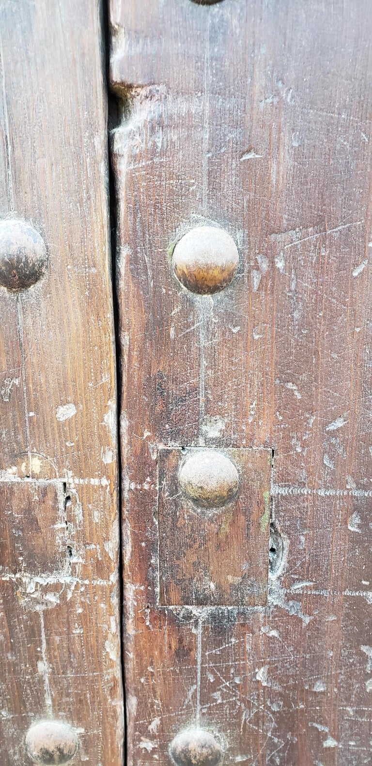 Old Brown Moroccan Wooden Door, 23MD38 In Good Condition For Sale In Orlando, FL