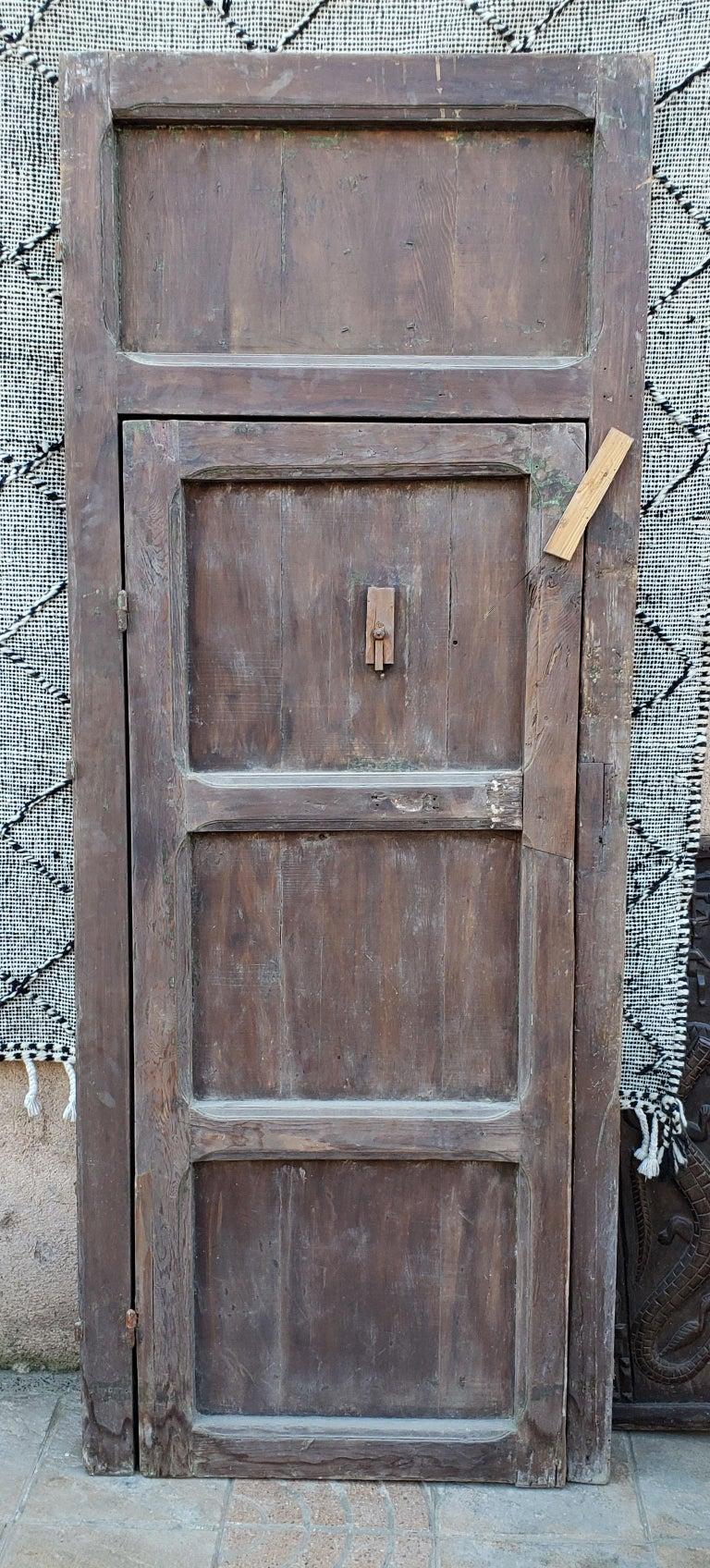 Old Brown Moroccan Wooden Door, 23MD38 For Sale 2