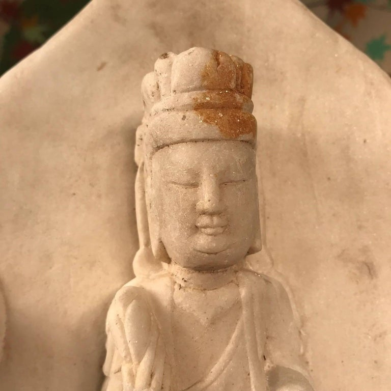 Old Chinese Hand Carved Marble Guan Yin  Buddha with Lovely Face For Sale 7
