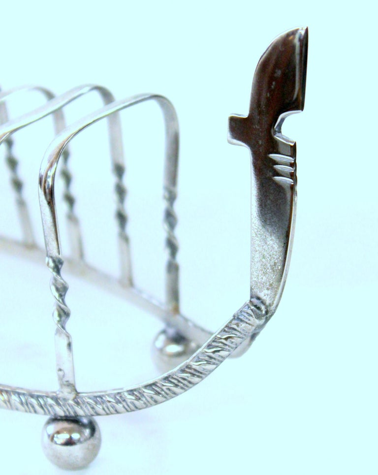 Old English Silver-Plate Gondola Shape Toast Rack with Gondolier For Sale 3