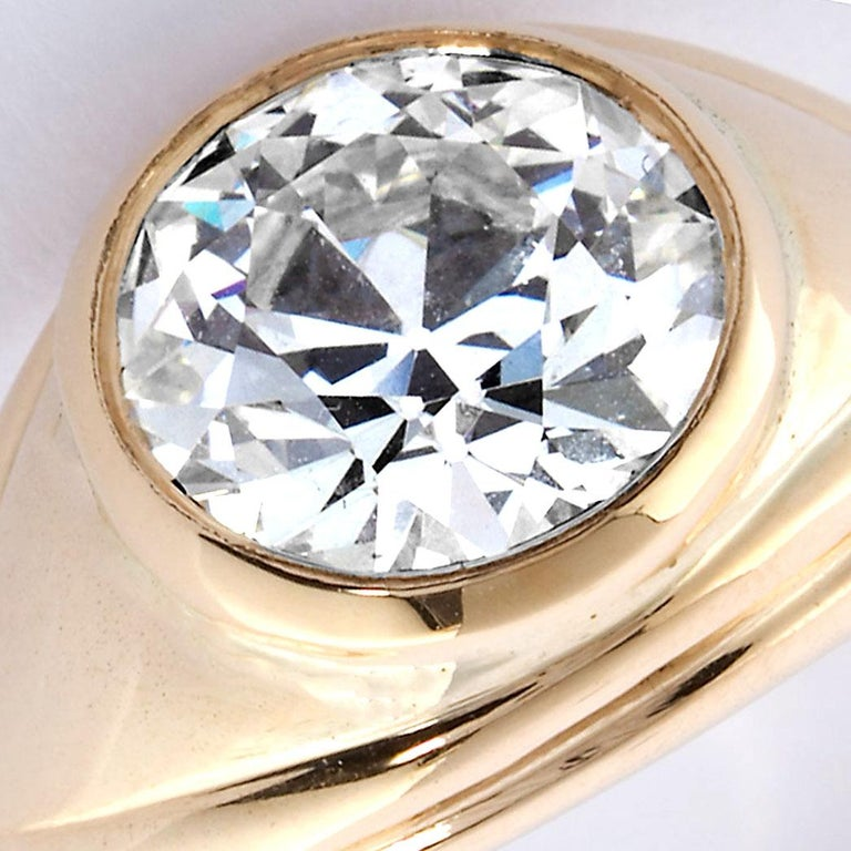 Old European Cut 2.86 Carat Diamond Gold Bezel Set Gypsy Ring In Excellent Condition For Sale In New York, NY