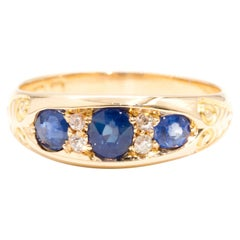 Old European Cut Diamond and Blue Sapphire 18 Carat Yellow Gold Vintage Ring