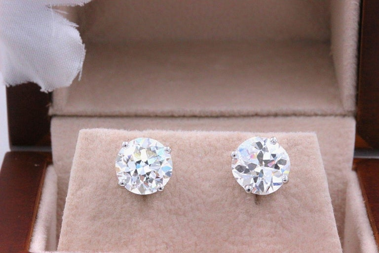 Old European Cut Diamond Earrings 3.17 Carat Set in 14 Karat White Gold In Excellent Condition For Sale In San Diego, CA
