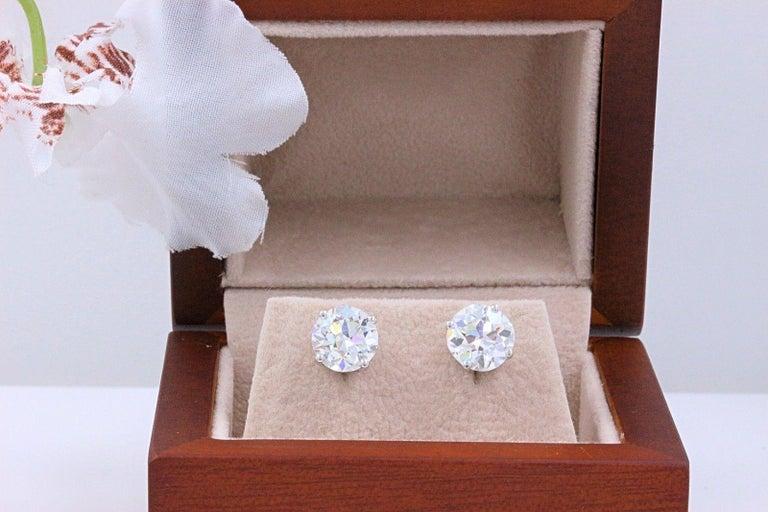 Old European Cut Diamond Earrings 3.17 Carat Set in 14 Karat White Gold For Sale 1