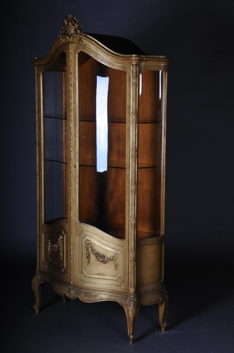 Old French Cabinets Showcase in Louis XV, circa 1900 For Sale 2