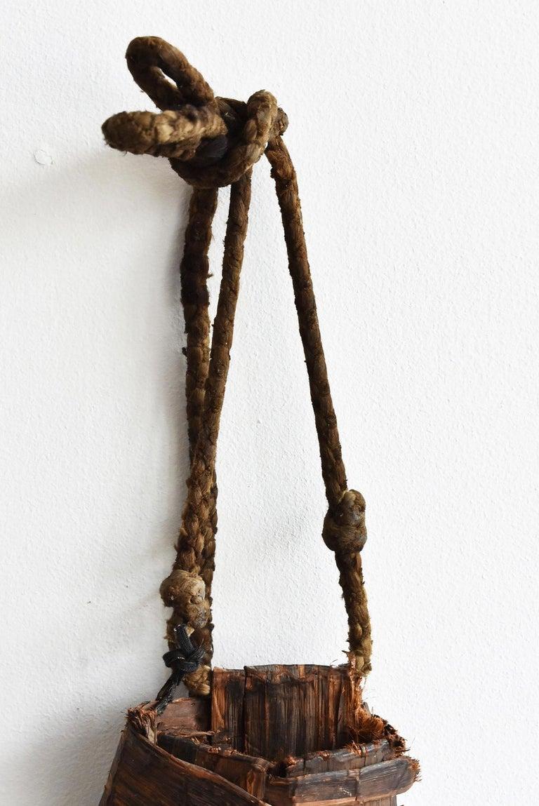 Old Japanese Folk Art / Farmer's Tools Made of Bark / Vase / Flower Basket In Good Condition For Sale In Sammushi, JP