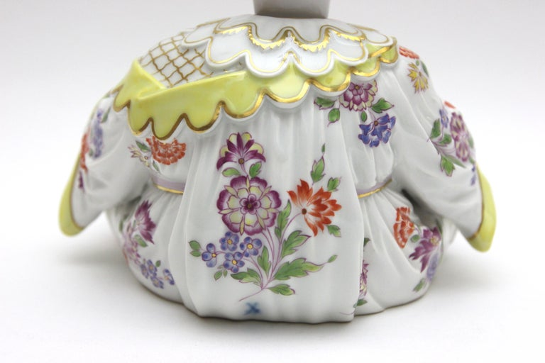 Old Meissen Porcelain Figure as Wiggle Pagoda with Gold and Flower Painting For Sale 4