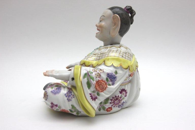 Old Meissen Porcelain Figure as Wiggle Pagoda with Gold and Flower Painting For Sale 1