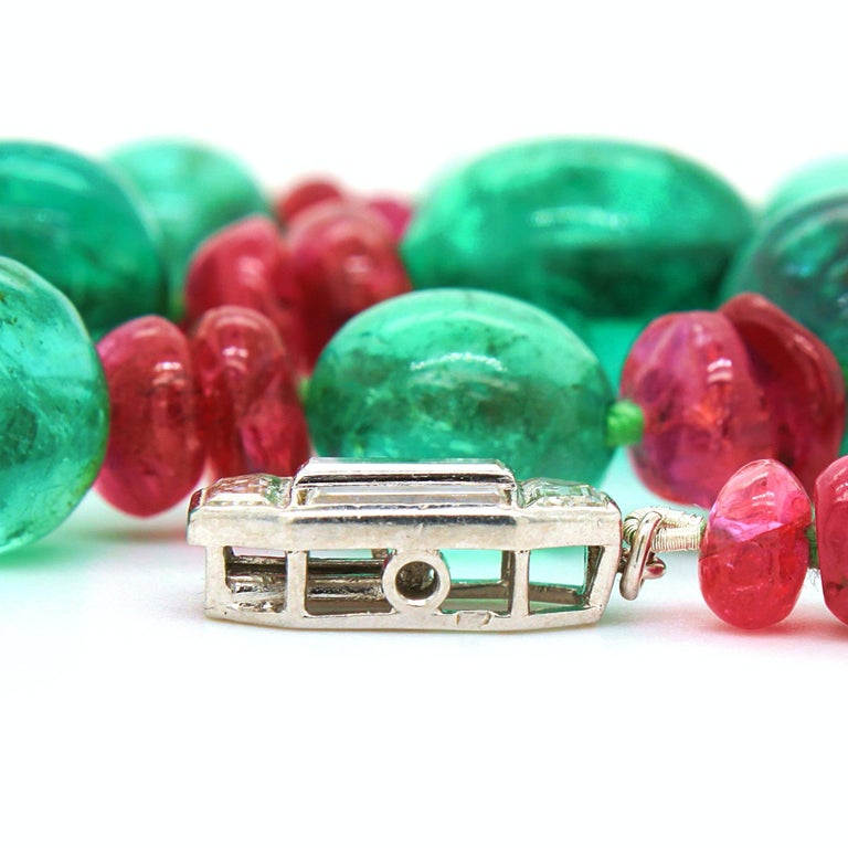 Old-Mine Emerald, Ruby and Diamond Art Deco Necklace, France, ca. 1920s For Sale 5