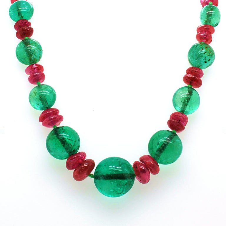 Old-Mine Emerald, Ruby and Diamond Art Deco Necklace, France, ca. 1920s In Excellent Condition For Sale In Idar-Oberstein, DE