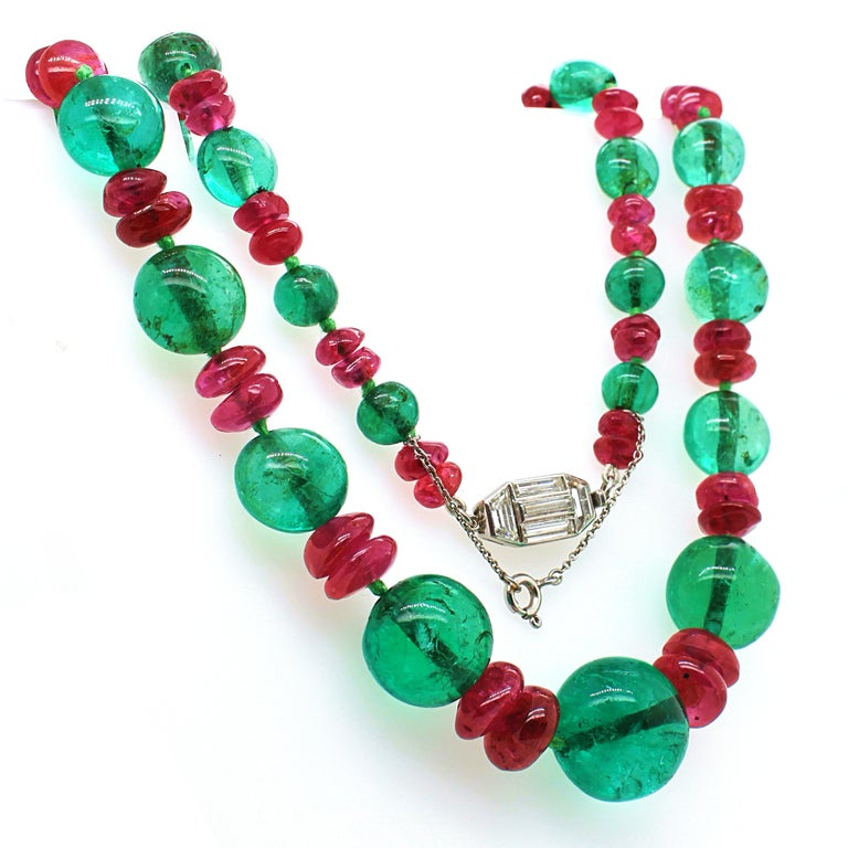 Old-Mine Emerald, Ruby and Diamond Art Deco Necklace, France, ca. 1920s For Sale 2