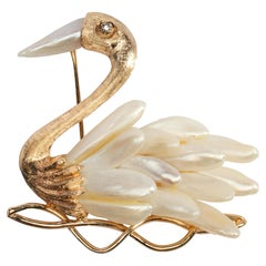 Old Money Gold Brooch with Natural Wing Pearls
