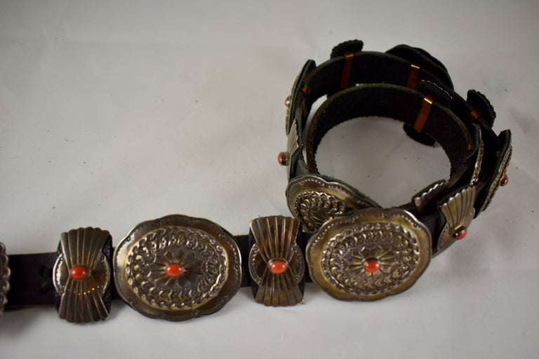 Old Pawn Navajo Native American Coral & Stamped Sterling Concho Belt, Signed LC In Excellent Condition In Philadelphia, PA