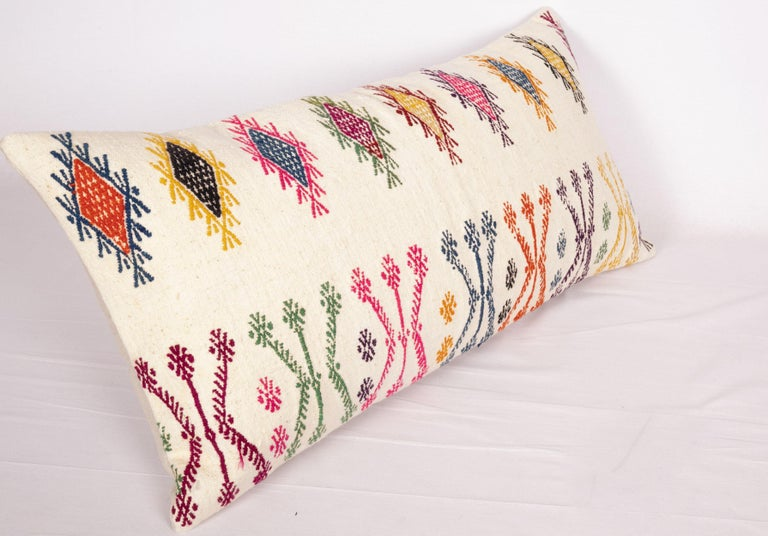 Old Pillow Case Made from a Sothern Anatolian Cicim Kilim, Mid-20th Century In Good Condition For Sale In Istanbul, TR