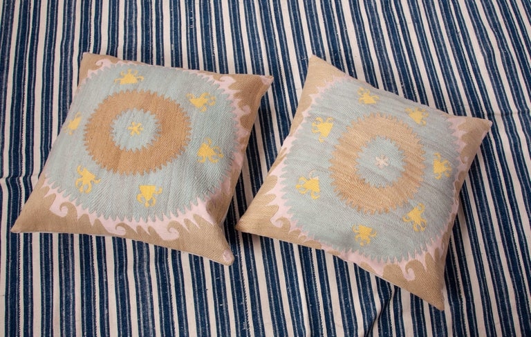 Old Pillow Cases Fashioned from an Early 20th Century Samarkand Suzani In Good Condition For Sale In Istanbul, TR