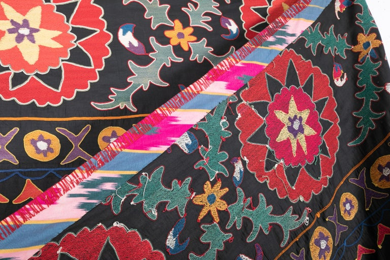 Old Suzani from Uzbekistan Central Asia, Silk on Cotton, 1930s For Sale 1