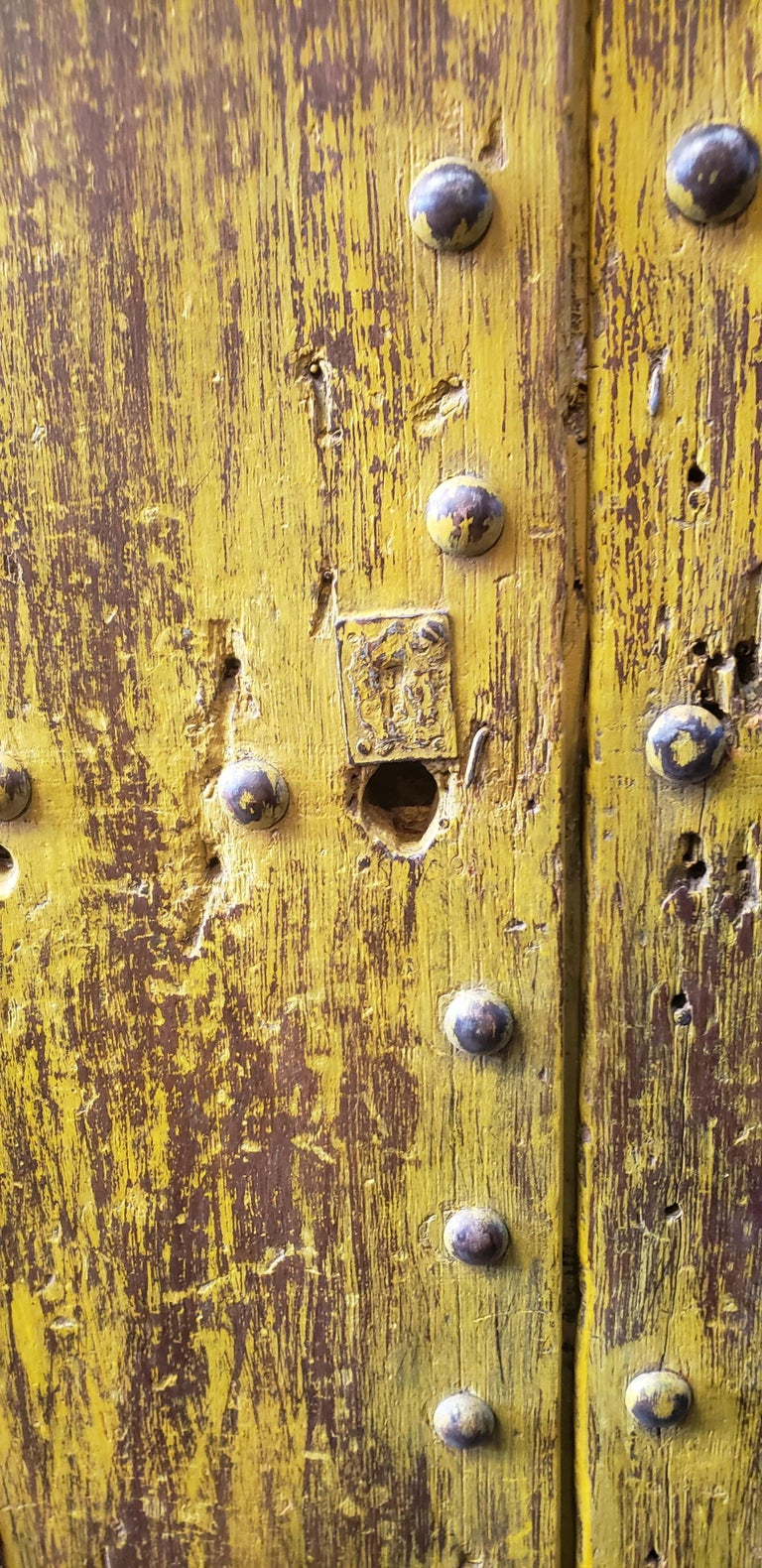Old Yellow Moroccan Wooden Door, 23MD41 In Good Condition For Sale In Orlando, FL