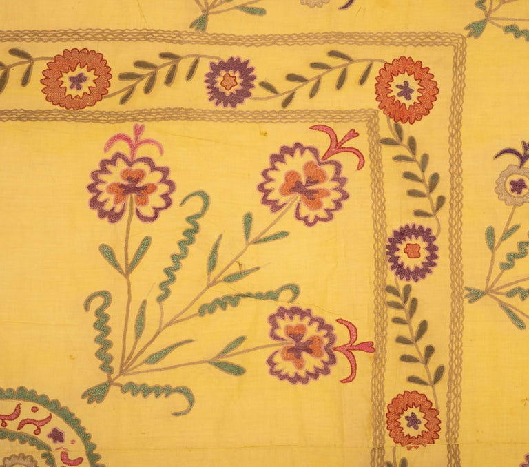 Old Yellow Suzani from Uzbekistan, 1930s In Fair Condition For Sale In Istanbul, TR