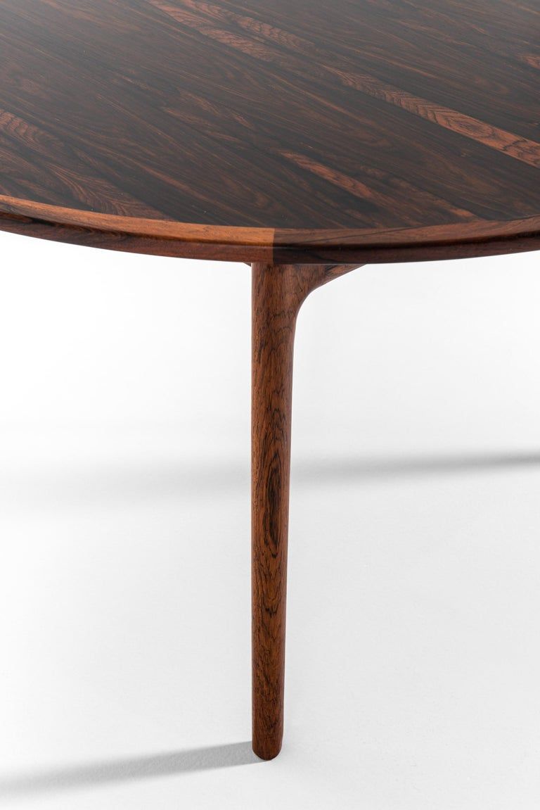 Ole Wanscher Coffee Table Produced by P. Jeppesens Møbelfabrik in Denmark In Good Condition For Sale In Malmo, SE