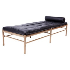 """Ole Wanscher """"Colonial"""" Daybed of Oak and Leather Cushions"""