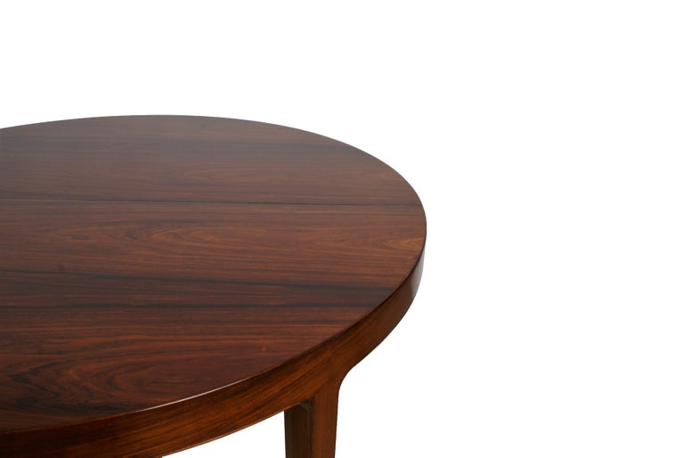 Ole Wanscher Dining Table in Rosewood by Cabinetmaker A.J. Iversen, 1942 In Excellent Condition For Sale In Copenhagen, DK