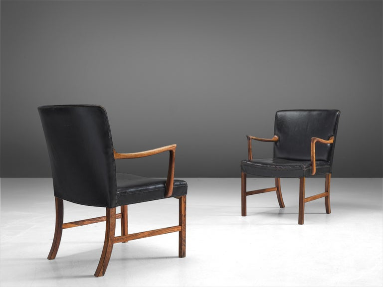 Mid-20th Century Ole Wanscher Pair of Armchairs in Black Leather and Rosewood For Sale