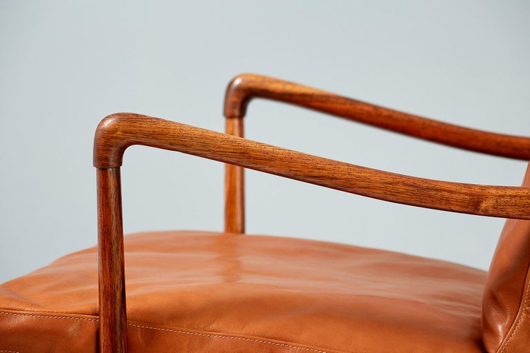 Ole Wanscher Pair of Rosewood Colonial Chairs, 1950s For Sale 2