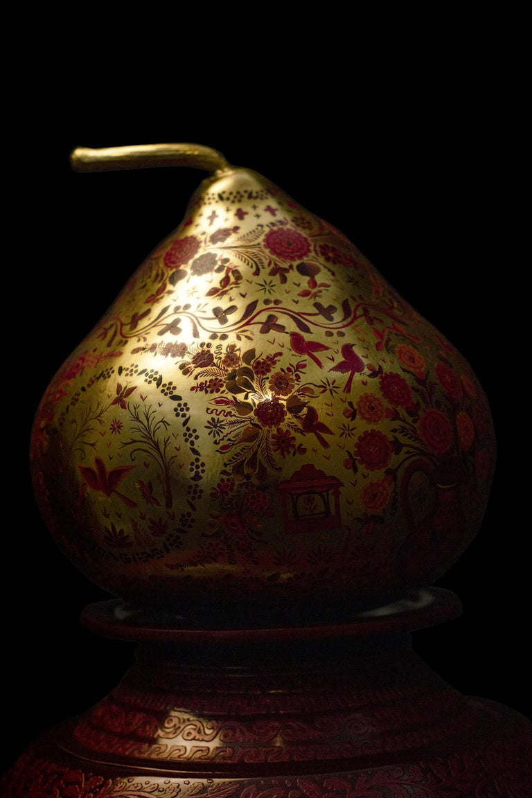 Hand-Carved Olinalá Mexican Traditional Lacquer, Gold Leaf and Oil Painting Art Urns For Sale