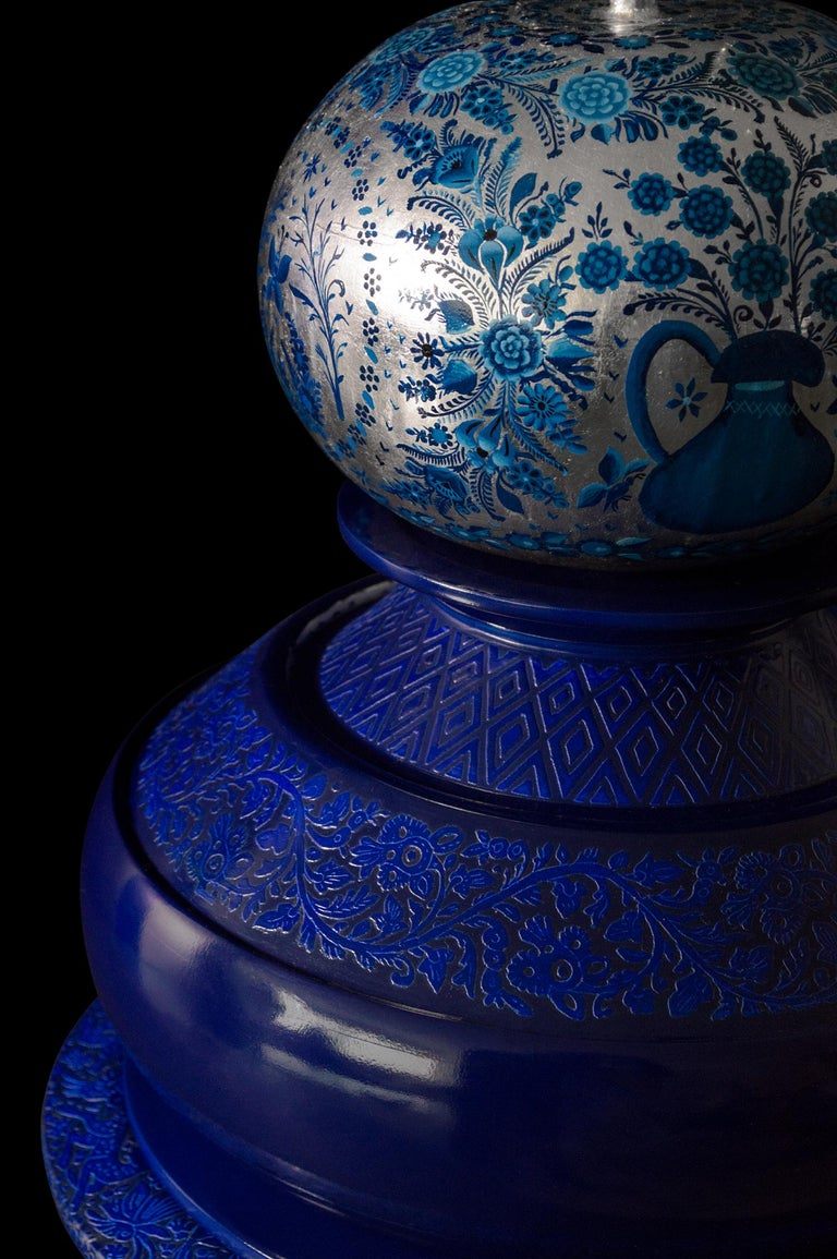 Olinalá Mexican Traditional Lacquer, Silver Leaf and Oil Painting Art Urns In New Condition For Sale In Mexico City, MX