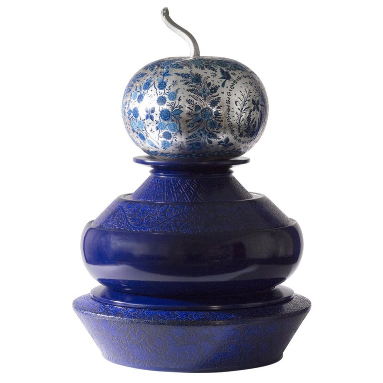 Olinalá Mexican Traditional Lacquer, Silver Leaf and Oil Painting Art Urns For Sale