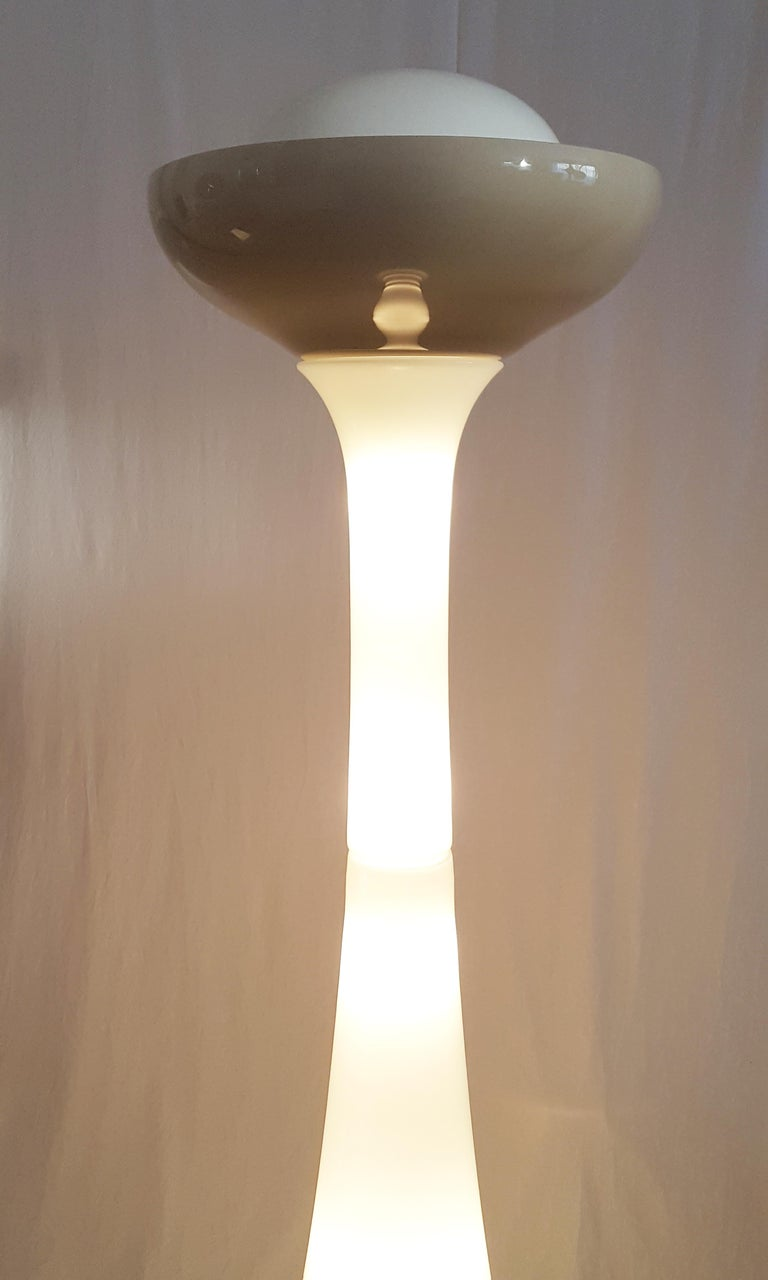 Olive Green and White Murano Glass Floor Lamp by Gino Vistosi for Vistosi, 1960s For Sale 5