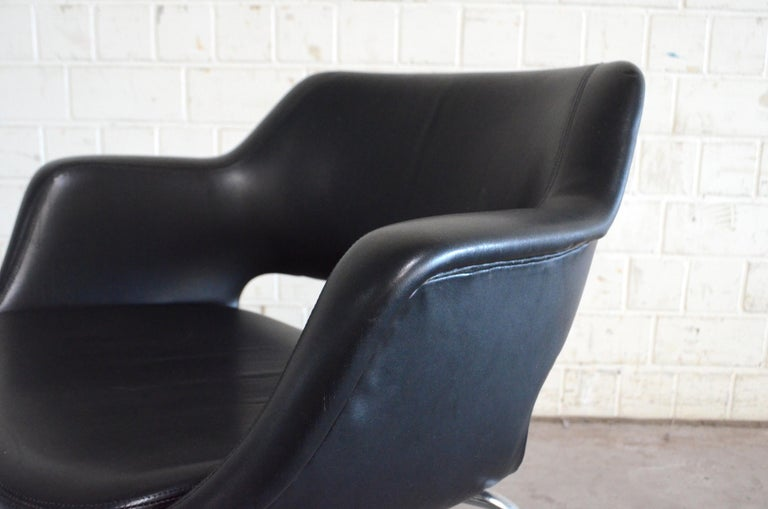 Olli Mannermaa Pair of Leather Kilta Chair by Eugen Schmidt & Cassina Martela For Sale 9