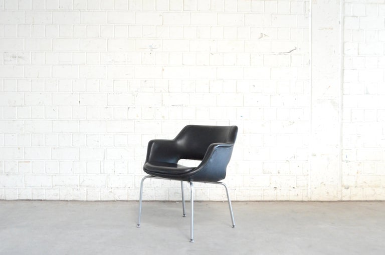 German Olli Mannermaa Pair of Leather Kilta Chair by Eugen Schmidt & Cassina Martela For Sale