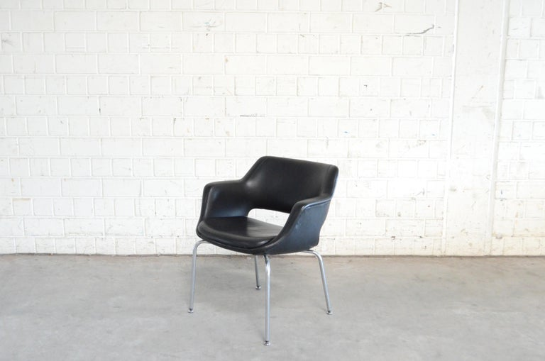 Olli Mannermaa Pair of Leather Kilta Chair by Eugen Schmidt & Cassina Martela In Good Condition For Sale In Munich, Bavaria