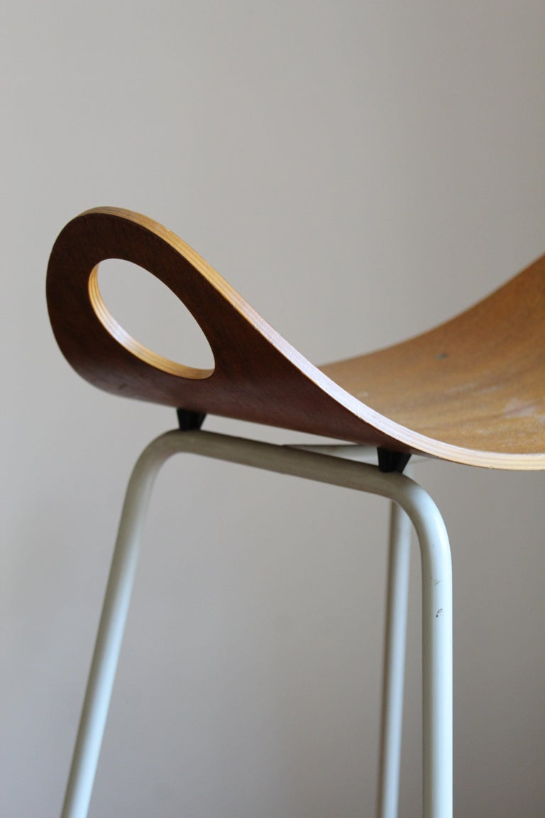 Olof Kettunen, Stool, Plywood, Lacquered Metal, J. Merivaara Oy, Finland, 1950s In Good Condition For Sale In West Palm Beach, FL