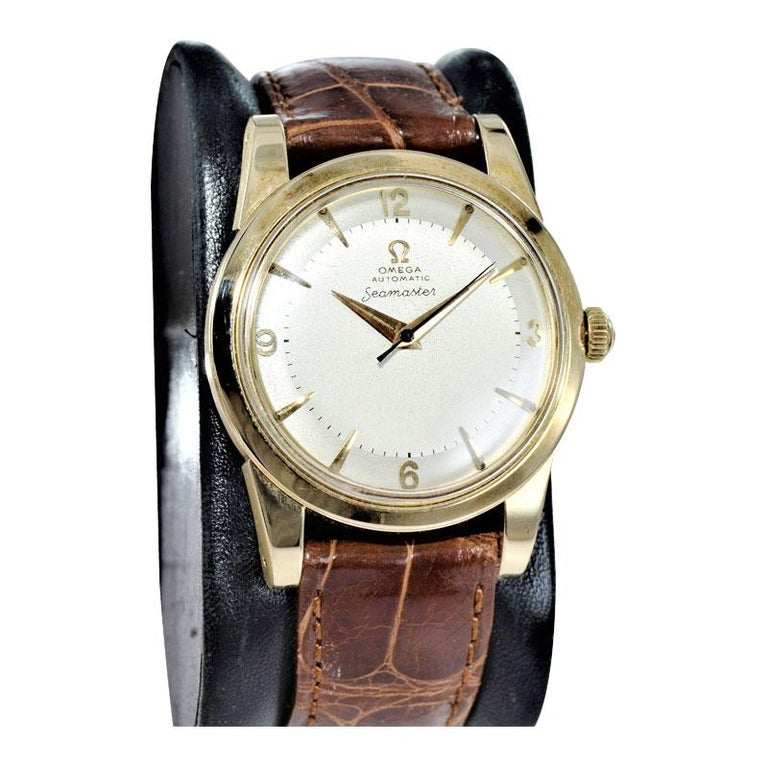 Omega 14 Karat Yellow Gold Seamaster Automatic Winding 1950s with Original Dial In Excellent Condition For Sale In Venice, CA