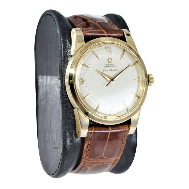 Women's or Men's Omega 14 Karat Yellow Gold Seamaster Automatic Winding 1950s with Original Dial For Sale
