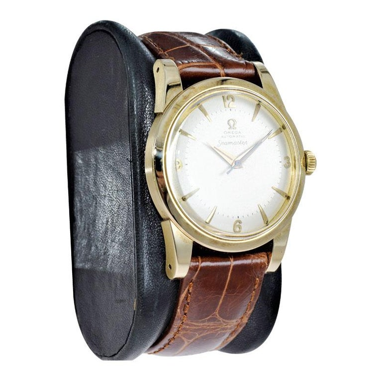 Omega 14 Karat Yellow Gold Seamaster Automatic Winding 1950s with Original Dial For Sale 1