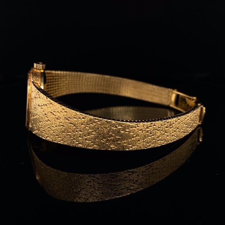 Women's or Men's Omega De Ville Ladies 18 Karat Yellow Gold Lapis Lazuli Manual Wind Wristwatch For Sale