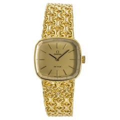 Omega De Ville Women's Hand Winding Vintage Watch 18 Karat Yellow Gold