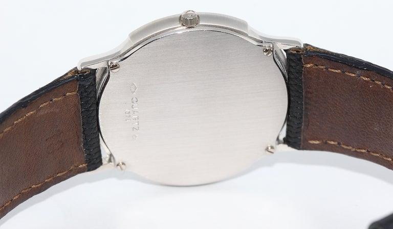 Omega Flat Platinum Wristwatch In Fair Condition For Sale In Berlin, DE