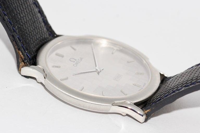 Omega Flat Platinum Wristwatch For Sale 1