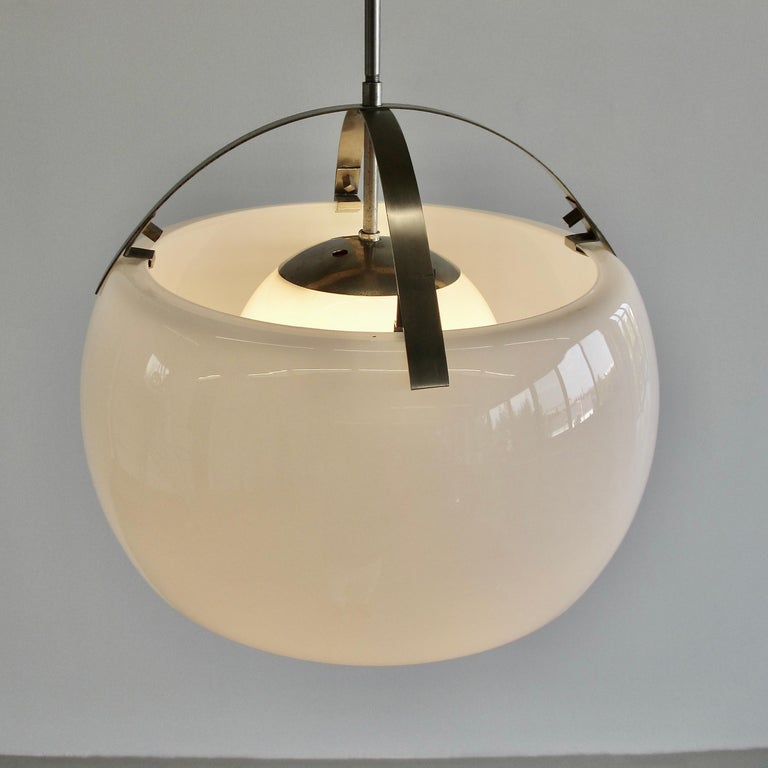 Omega Hanging Lamp by Vico Magistretti, 1962 In Good Condition In Berlin, Berlin