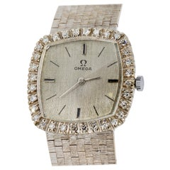 Omega Ladies Wrist Watch, 18 Karat White Gold and Diamonds, Manual Winding